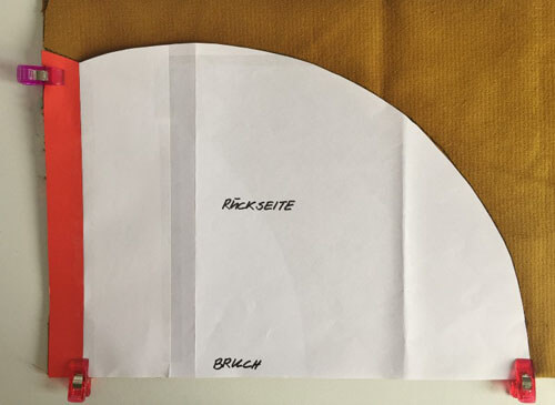 6 Schnittmuster Rückseite auf Stoff (800x584) | Der namensbaender.de ...