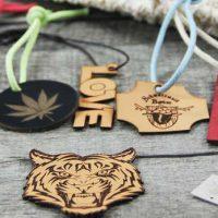 Neuheiten in unserem Shop – Lasergravierte Lederetiketten oder Labels aus SnapPap!